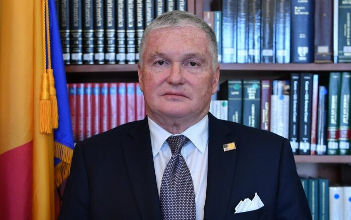 Adrian Zuckerman, Ambasadorul SUA